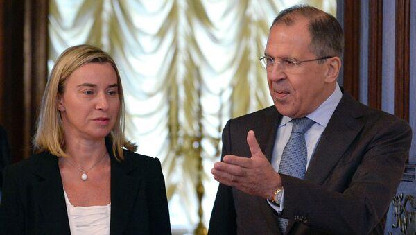 Sergei Lavrov e Federica Mogherini - Sputnik Italia