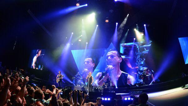Al concerto di Depeche Mode a San Pietroburgo - Sputnik Italia