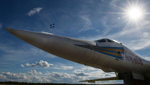 L'aereo portamissili supersonico Tu-160 al Forum militare internazionale Army-2016. - Sputnik Italia
