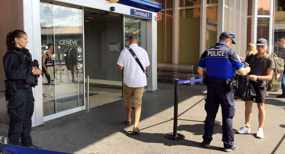 Polizia all'aeroporto di Ginevra