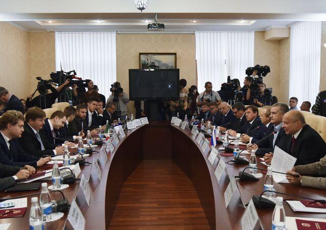 Delegazione italiana in visita in Crimea