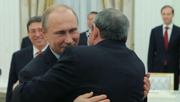 Incontro al Cremlino tra Vladiir Putin e Raul Castro - Sputnik Italia