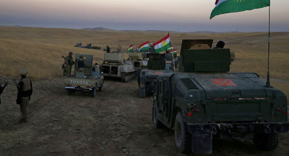 Convoglio di peshmerga nei pressi di Mosul