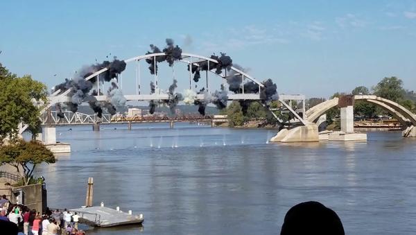 Broadway bridge explosion epic fail - Sputnik Italia