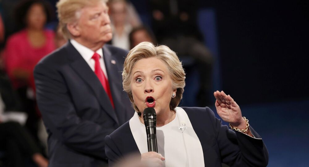 Un momento del faccia a faccia tra Hillary Clinton e Donald Trump