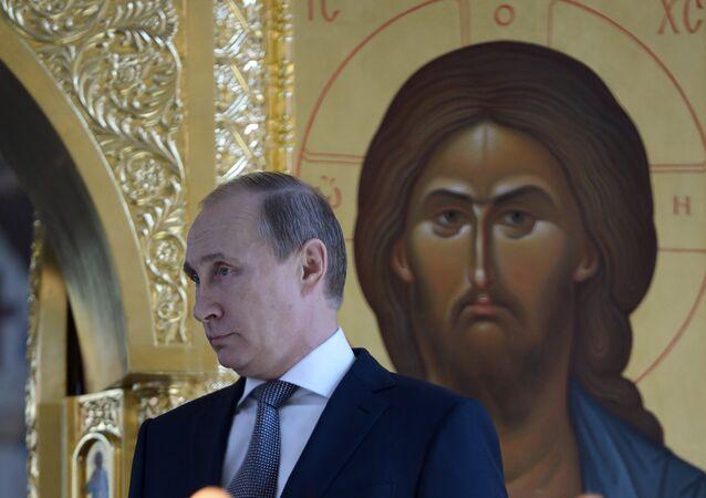 Putin nella cattedrale di Cristo Salvatore