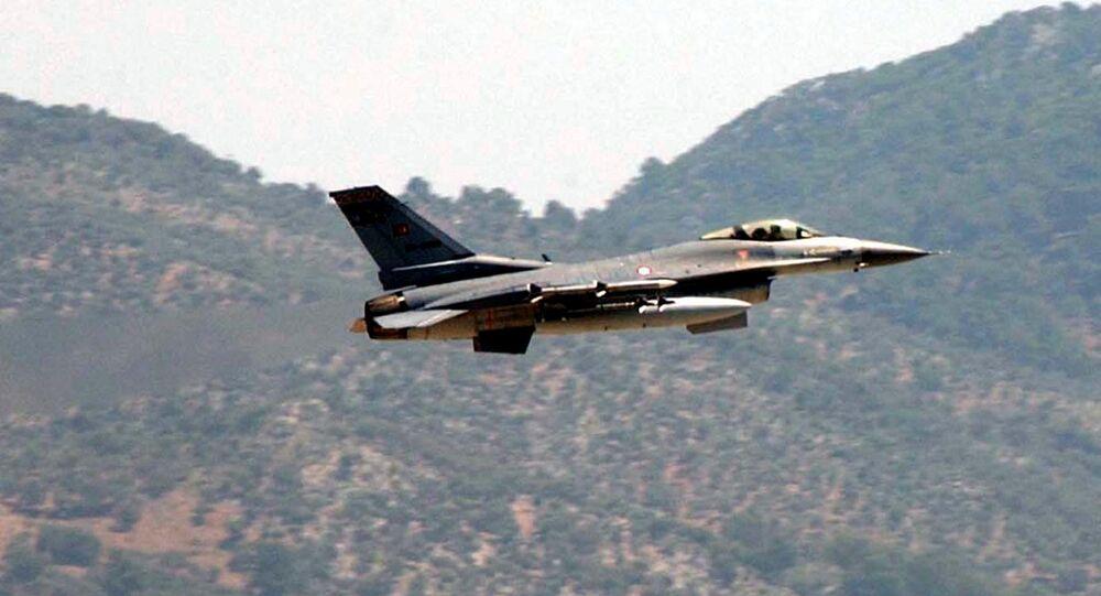 Caccia F-16 turco