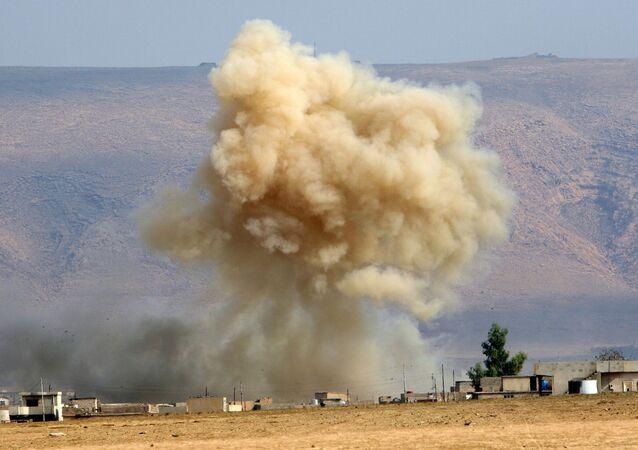 Bombardamento a Mosul (foto d'archivio)