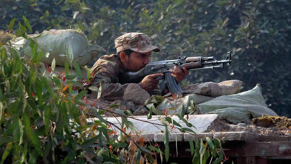 Un soldato pakistano - Sputnik Italia