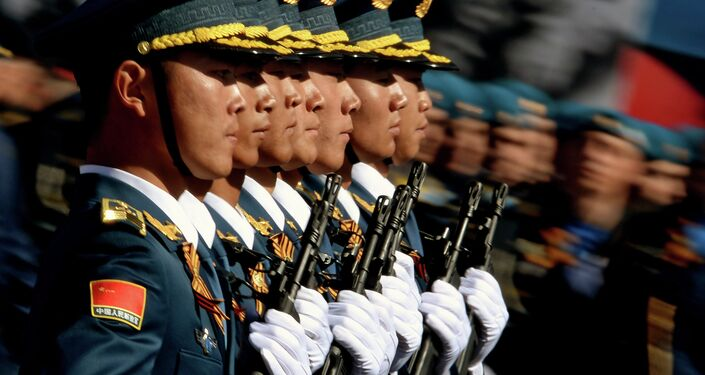Anche i soldati cinesi alla Parata della Vittoria.