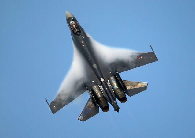 Caccia Su-35 (foto d'archivio)