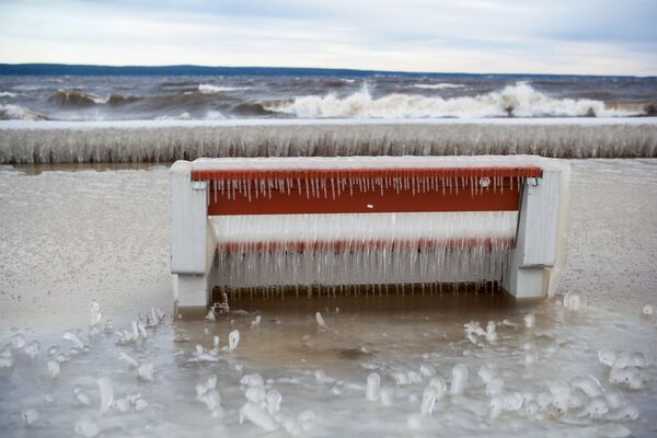 Tempesta di ghiaccio  sul lago Onega - Sputnik Italia