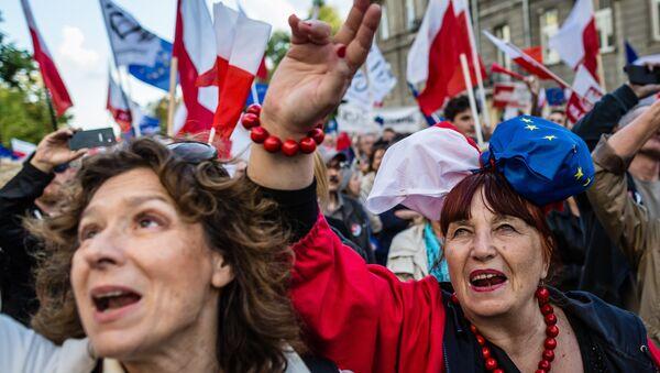Donne polacche in manifestazione - Sputnik Italia