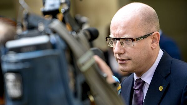 Bohuslav Sobotka, Prime Minister of the Czech Republic, speaks to the press during a high-level meeting on the fight against social dumping and free trade in the European Union, in Brussels, on June 25, 2015 - Sputnik Italia
