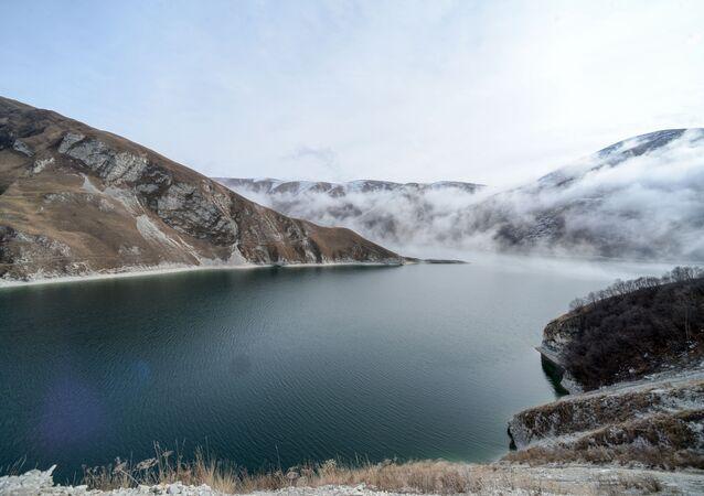 Il lago di Kezenoy Am