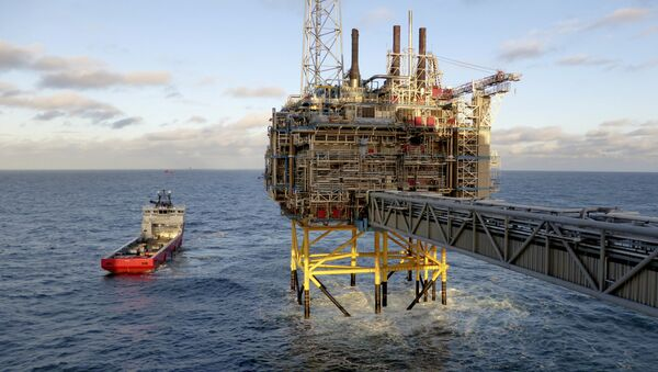 Oil and gas company Statoil gas processing and CO2 removal platform Sleipner T is pictured in the offshore near the Stavanger, Norway. - Sputnik Italia