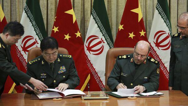 Il ministro della difesa cinese Chang Wanquan e il suo omologo iraniano Hossein Dehghan - Sputnik Italia