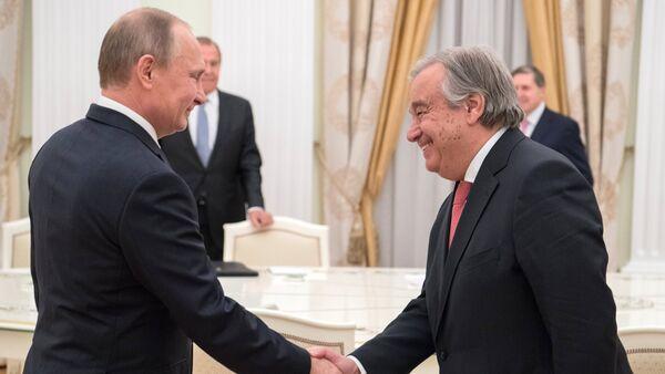 Vladimir Putin e Antonio Guterres - Sputnik Italia