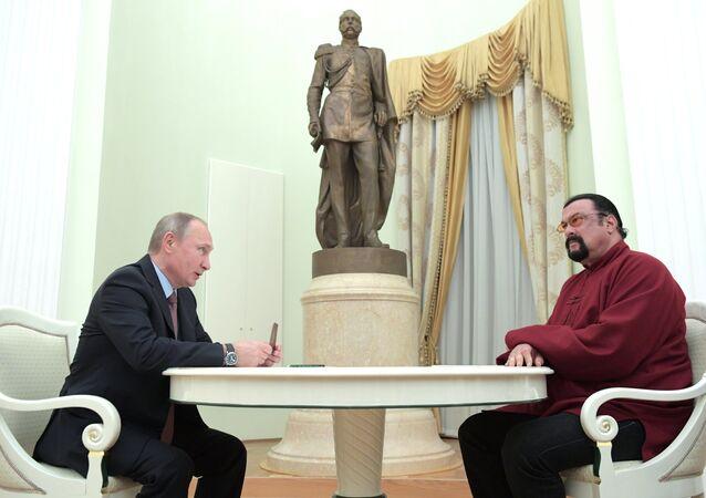 Vladimir Putin e Steven Seagal