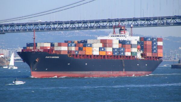 Un'enorme nave porta container - Sputnik Italia