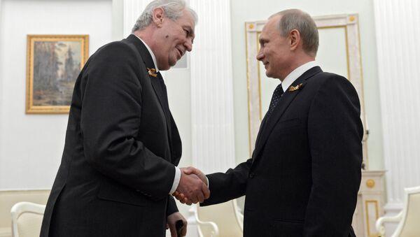 Český prezident Miloš Zeman a ruský prezident Vladimir Putin během setkání v Kremlu - Sputnik Italia