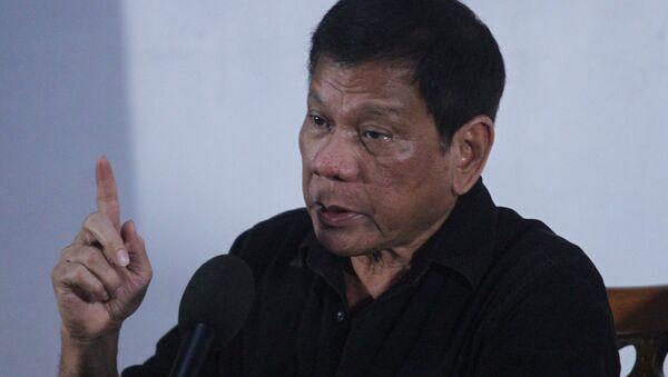 Rodrigo Duterte, el presidente de Filipinas,durante la rueda de prensa en Davao - Sputnik Italia
