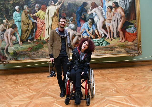 Letizia Renis insieme a Danilo Garcia di Meo alla Galleria Tretyakovskaya di Mosca