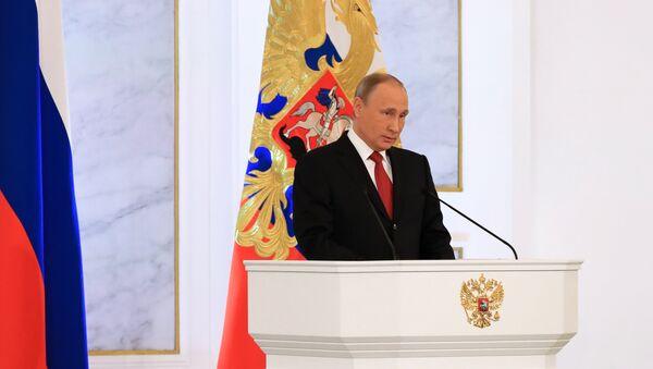 Il presidente Putin pronuncia le ultime frasi del suo discorso all'Assemblea Federale - Sputnik Italia