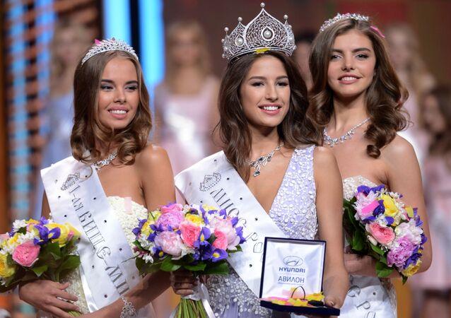 Le candidate russe a Miss Mondo e Miss Universo