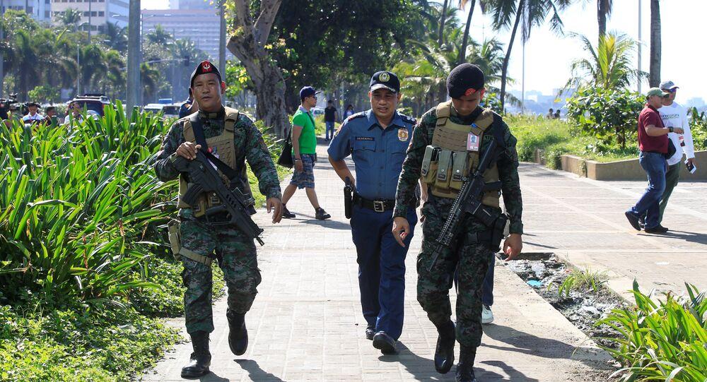 Agenti della Polizia Nazionale delle Filippine (PNP)