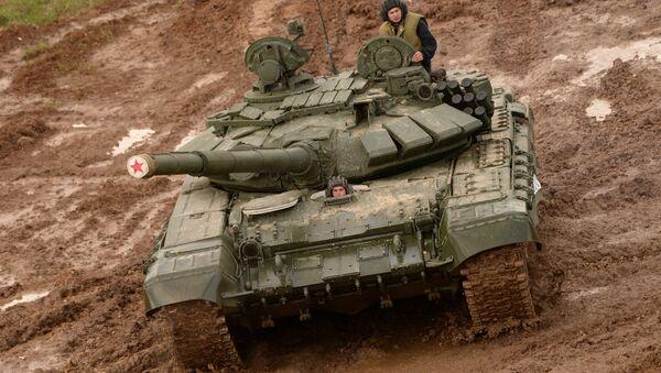 Un T-72 durante un esercitazione - Sputnik Italia