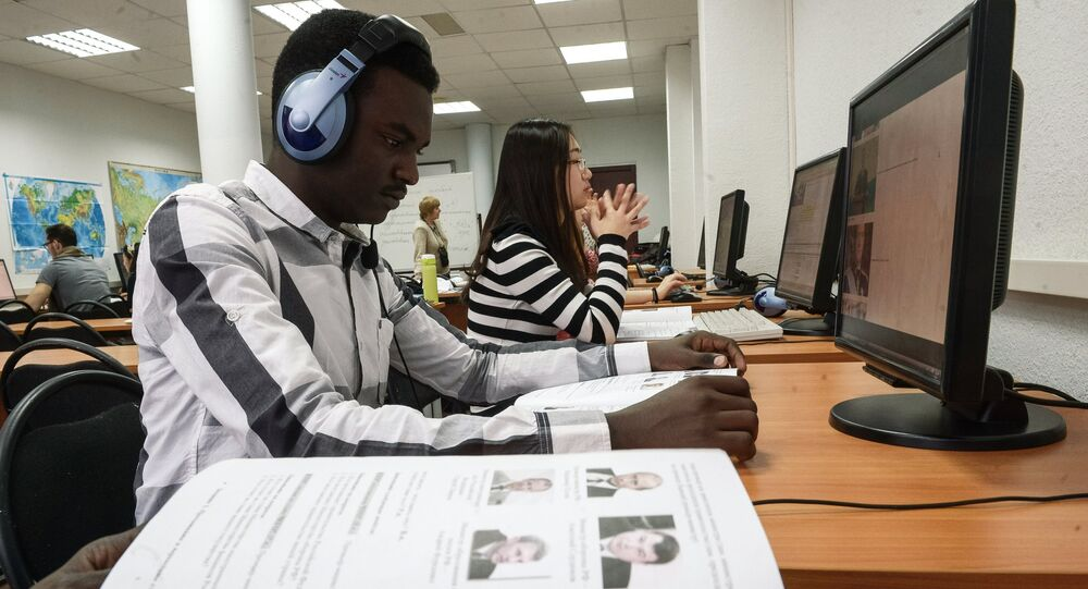 Studenti all'Università dell'Amicizia dei Popoli a Mosca