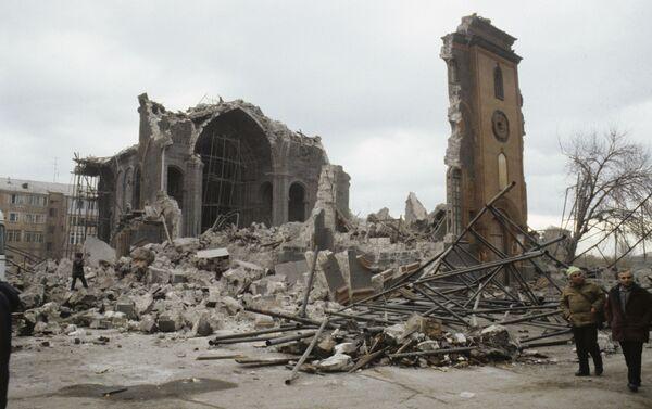 Conseguenze del devastante terremoto verificatosi nella città armena di Spitak. - Sputnik Italia