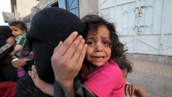 Civili in fuga dai bombardamenti. - Sputnik Italia