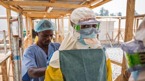 L'infermiere italiano era rimasto infettato dall'Ebola durante la sua permanenza in un campo Emergency in Sierra Leone. - Sputnik Italia