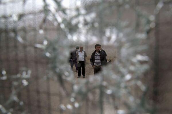 Il foro di un proiettile su una finestra. - Sputnik Italia