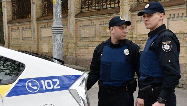 Officers of the Ukrainian police in Kiev - Sputnik Italia