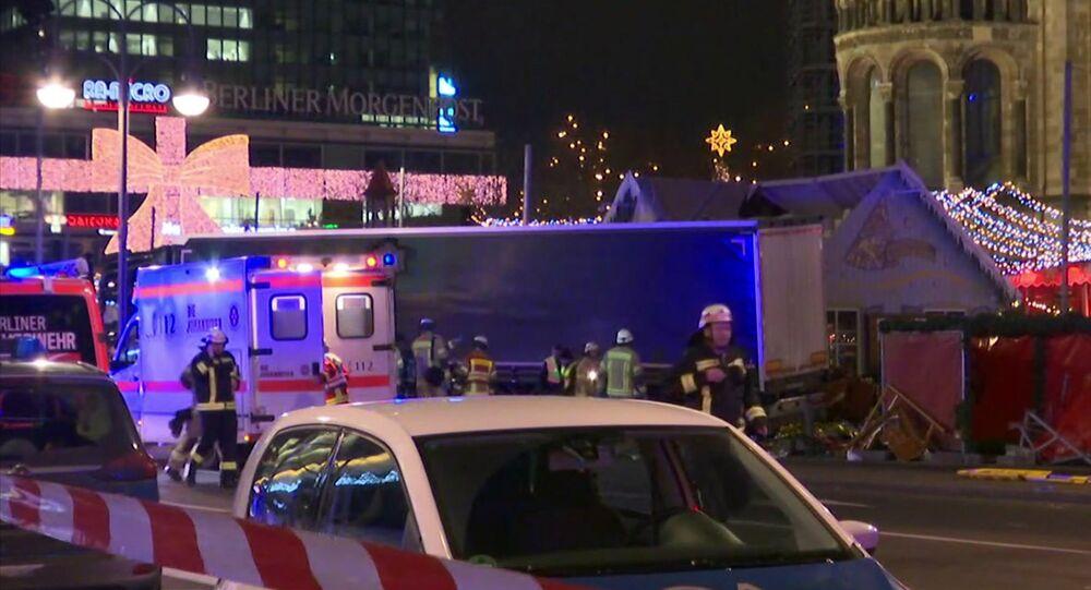 Camion piomba su un mercatino di Natale a Berlino