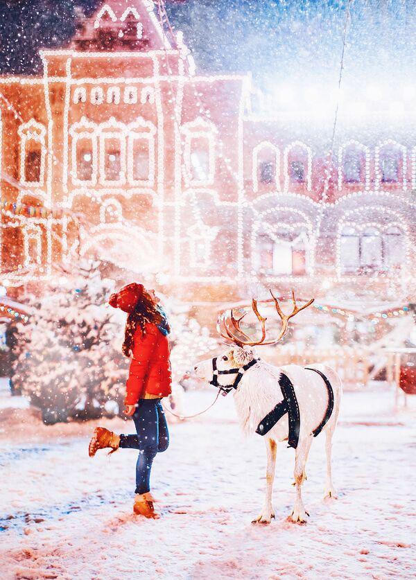 Una ragazza sulla Piazza Rossa. - Sputnik Italia