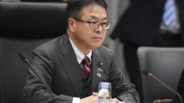 Il Ministro giapponese dell'economia, del commercio e dell'industria Hiroshige Seko - Sputnik Italia