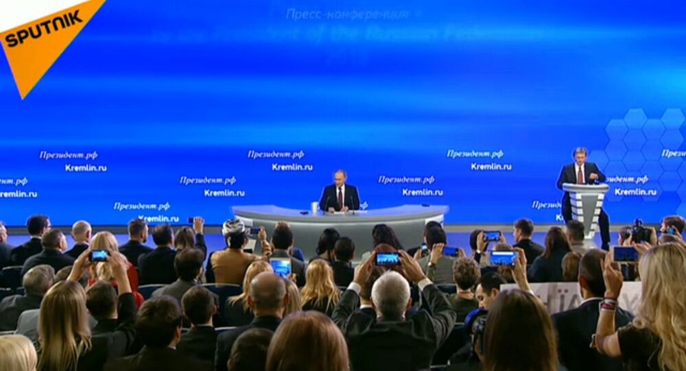 Vladimir Putin alla conferenza stampa annuale