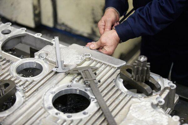 Il reparto dell'assemblaggio dei motori per le autoblindo. - Sputnik Italia