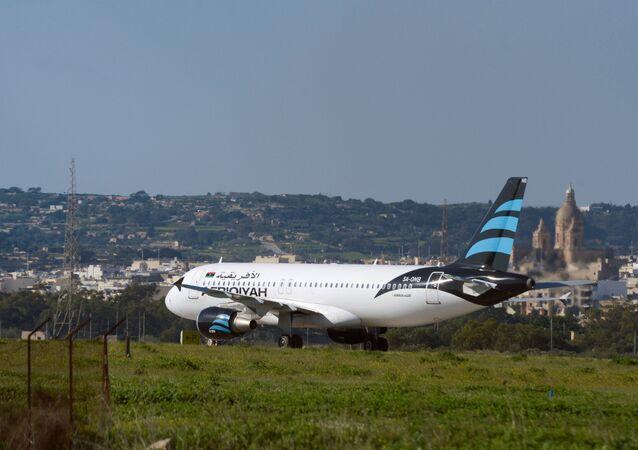 Airbus della compagnia libica Afriqiyah Airways all'aeroporto di Malta