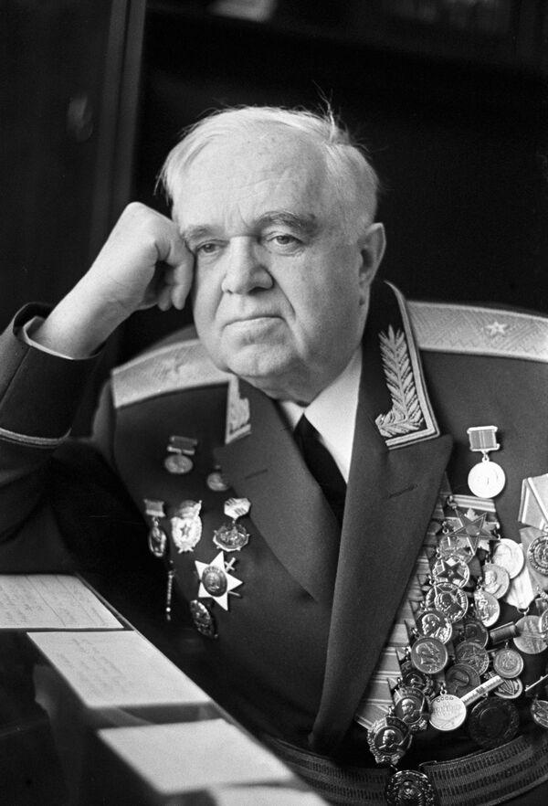 Il direttore del Complesso di Canto e Ballo A.V.Aleksandrov dell'Esercito Sovietico nei 1946-1987, maggior generale Boris Aleksandrov, figlio del fondatore del Complesso.(Foto d'archivio) - Sputnik Italia