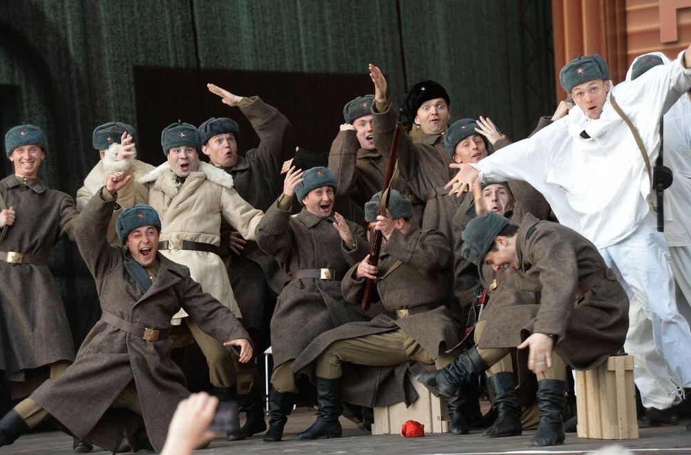 Il Complesso di Canto e Ballo dell'Esercito Russo A.V.Aleksandrov a Mosca.