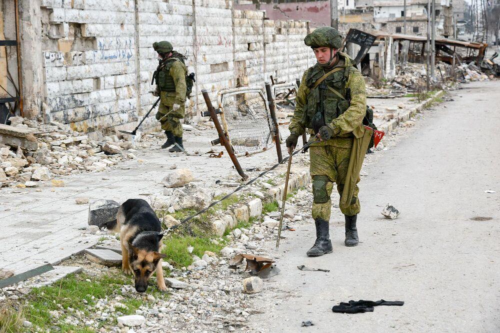 Gli sminatori russi in azione ad Aleppo