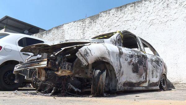 Auto bruciata dell'ambasciatore greco - Sputnik Italia