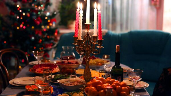La tavola festiva tradizionale russa - Sputnik Italia