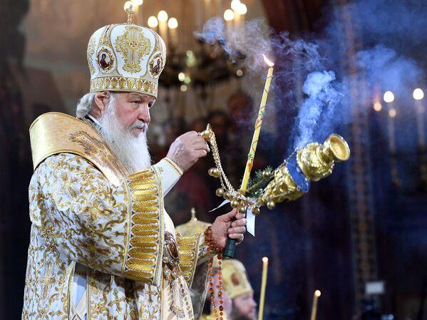 Il Patriarca di Mosca e di tutte le Russie, Kirill durante la messa di Natale nella Cattedrale di Cristo Salvatore a Mosca. - Sputnik Italia