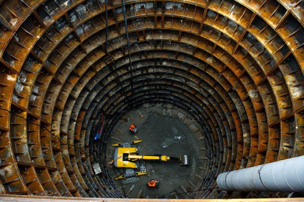 Lavori di costruzione di una delle nuove stazioni della metro di Mosca.